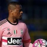 Juventus Siap Pertahankan Evra